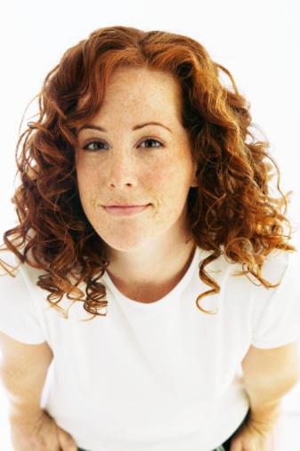 Mulher ruiva com cabelo cacheado também usa no poo low poo no poo No Poo / Low Poo – Parte 3 20090212 redhead woman
