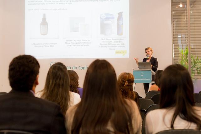 Palestra na Arena do Conhecimento durante a FCE Cosmetique 2016