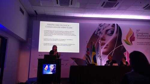 Palestra de Lidia Morus no Congresso Brasileiro de Cosmetologia 2017.