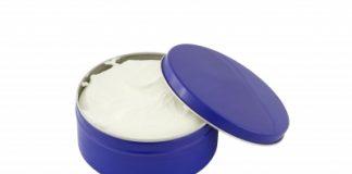 embalagem que faz alusão ao creme Nivea óleo em água O/A