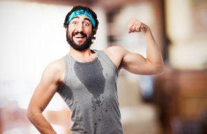 para abaixar a temperatura do corpo após exercícios, o corpo produz suor