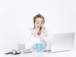 Procure intercalar pausas e diversificar atividades durante a jornada de trabalho