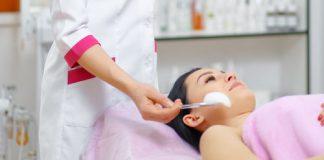Peeling químico é um tratamento para despigmentação da pele