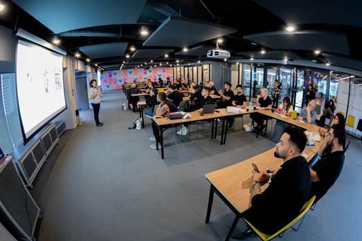 Capacitação em marketing digital da redken em parceria com facebook