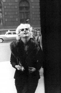 elizabeth arden Conheça Elizabeth Arden 20191127 Elizabeth Arden Marilyn Monroe 1955 2 198x300
