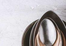 pode usar colher de metal em cosmeticos?